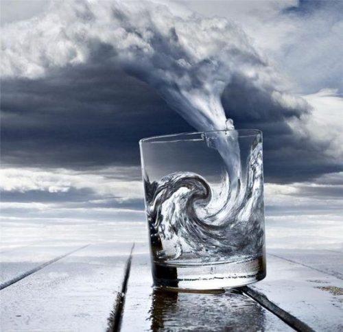 Force de l'eau, sa faiblesse, sa souplesse, sa langueur