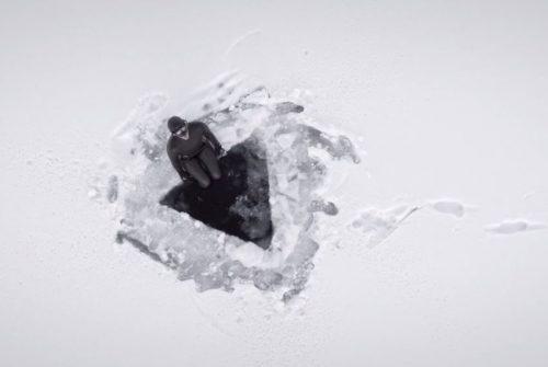 L'apnéiste Johanna Nordblad par Ian Derry, Nowness, apnée sous glace