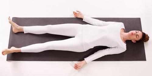Relaxation et concentration pour l'échauffement à l'apnée statique