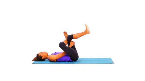 yoga pour la souplesse de l'apnéiste et l'ouverture des hanches en monopalme et bipalmes